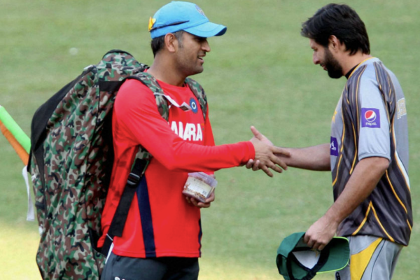 Pakistan cricket fraternity salutes Dhoni for an impactful career