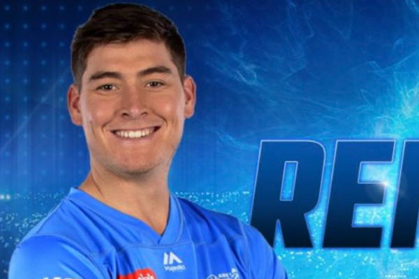 Adelaide Strikers sign a three-year contract with Matt Renshaw