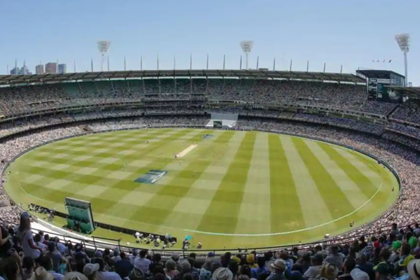 Shane Warne appeals Cricket Australia to stage Boxing Day Test at MCG