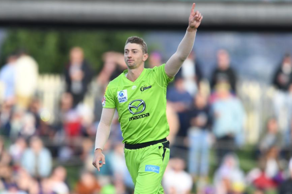 Sydney Thunder extends the contract with Daniel Sams