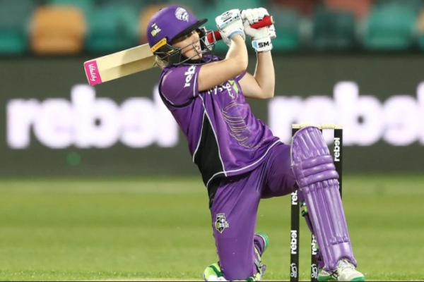 Hobart Hurricanes signs contract with Hayley Jensen