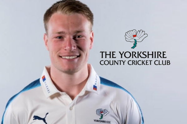 Yorkshire signs two-year-contract with Matthew Waite