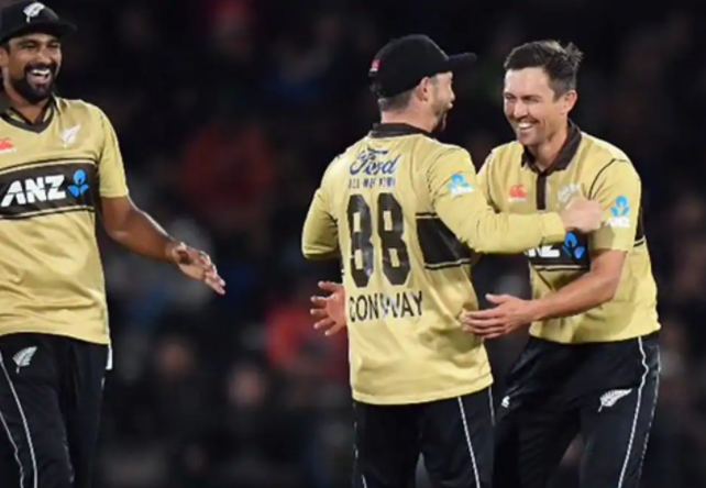 Martin Guptill's 97 powers New Zealand to a 4-run win in a nail biter