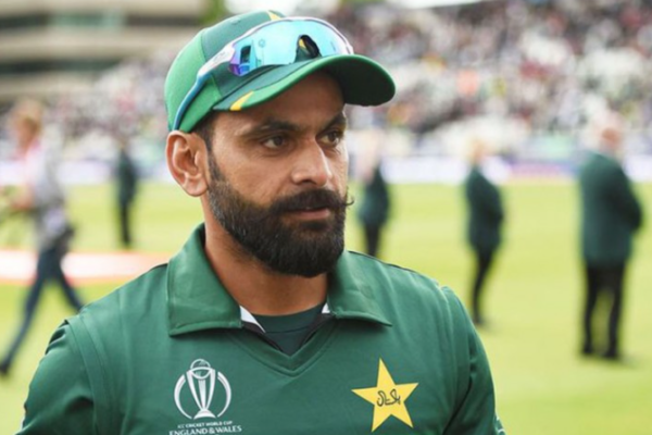 Mohammad Hafeez turns down PCB's central contract offer for 2020-21 season