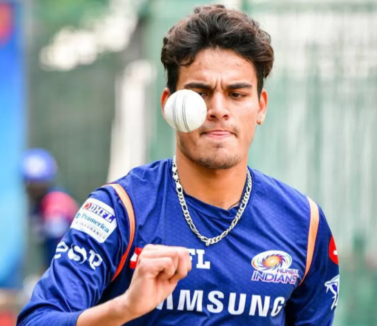 """Rohit Sharma will hit a sixer of titles for Mumbai Indians this season"": Rahul Chahar"