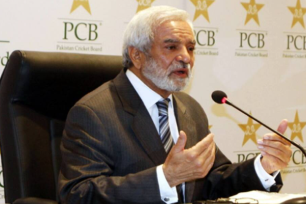 Ehsan Mani to continue his role as PCB's chairman