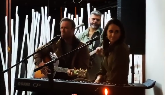 Watch: AB de Villiers shows off his singing skills at his father's birthday